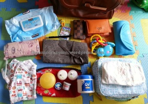 What's in my nappy (diaper) Bag